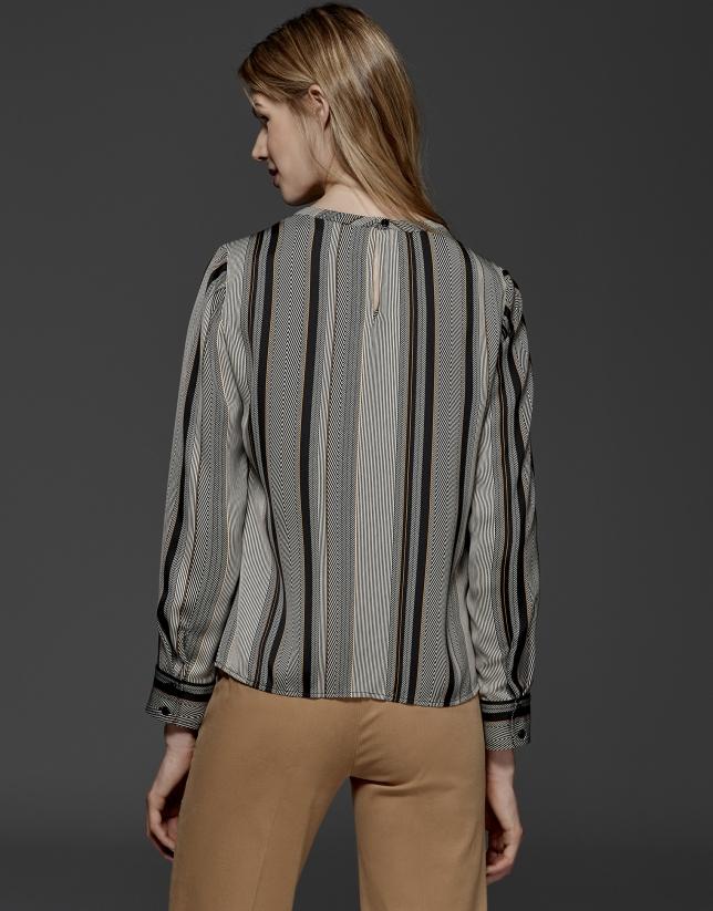 Blusa amplia estampado rayas