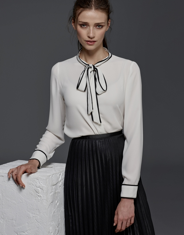 Ivory shirt with bow collar