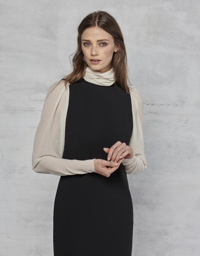 Robe à manches longues en tissu crêpé noir