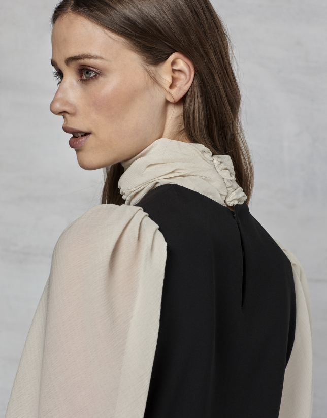 Black crepe long-sleeved dress