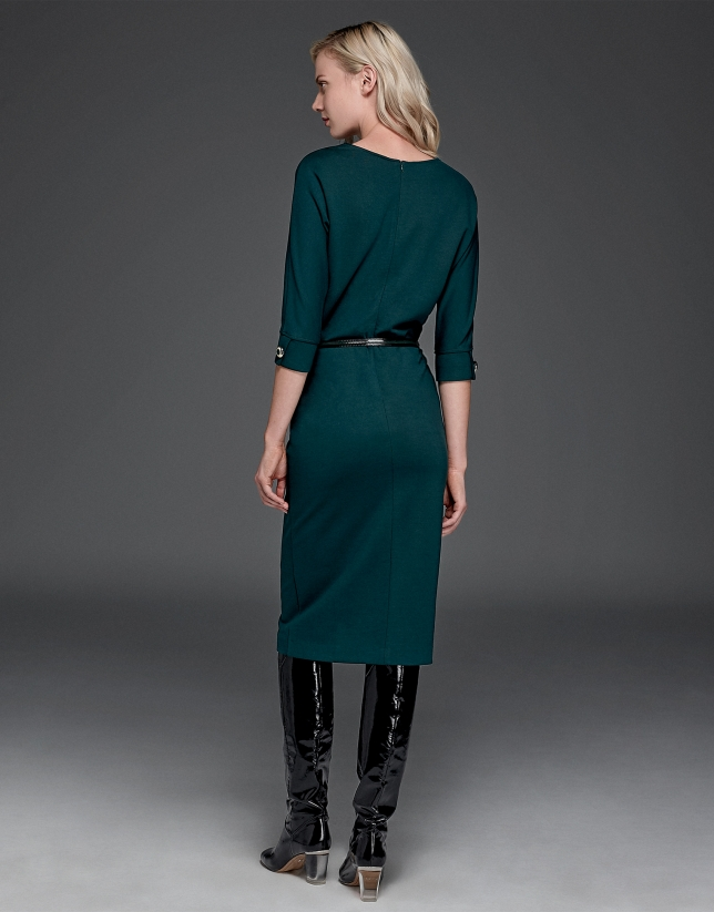 Green dress with Japanese sleeves