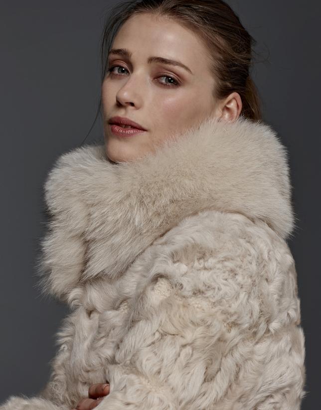 Manteau en cuir d'agneau beige