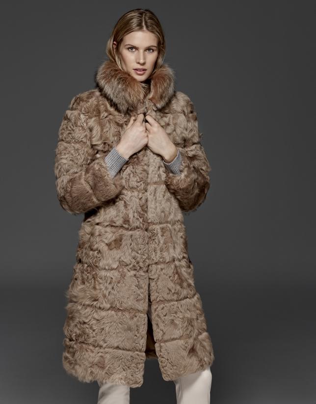 Manteau en cuir d'agneau hâlé