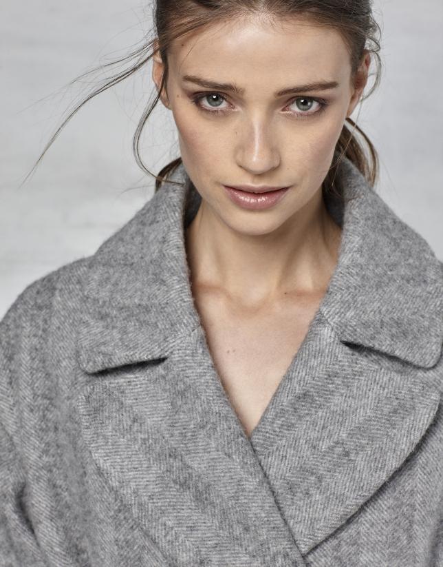Manteau long à chevrons gris