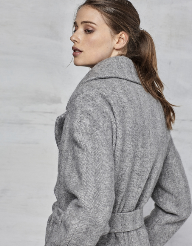 Manteau long à chevrons gris