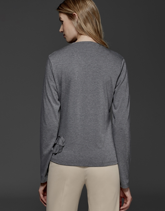 T-shirt couleur gris argenté avec application florale
