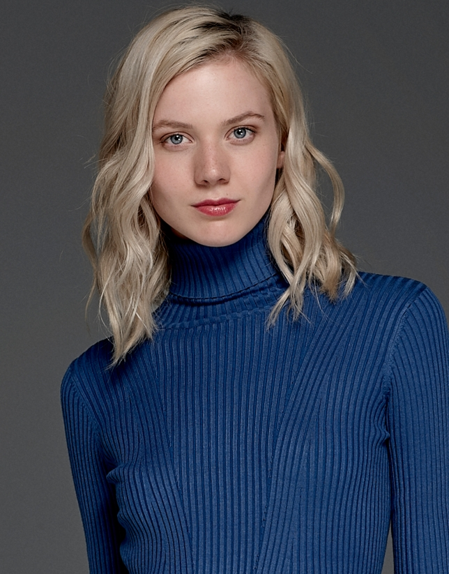 Blue ribbed turtle knit sweater