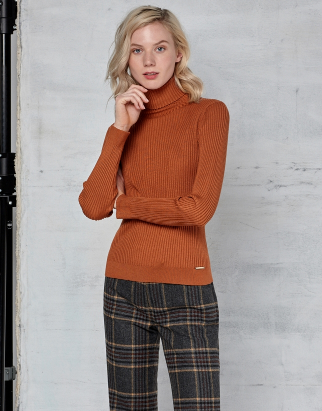 Pumpkin ribbed turtle neck sweater