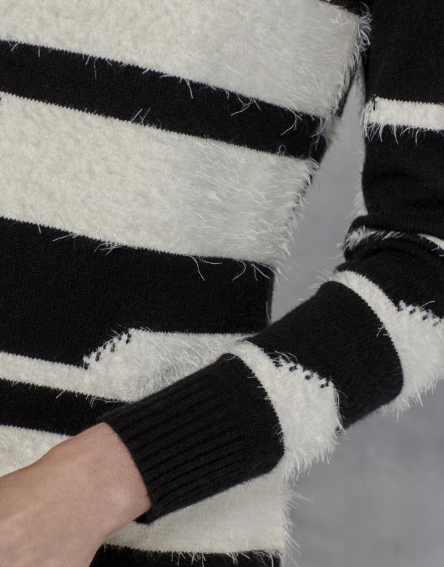 Pull à rayures noir et blanc