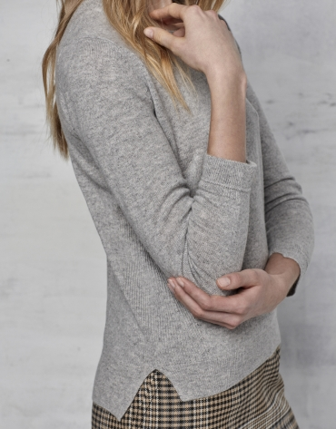Silver gray wool/cashmere sweater