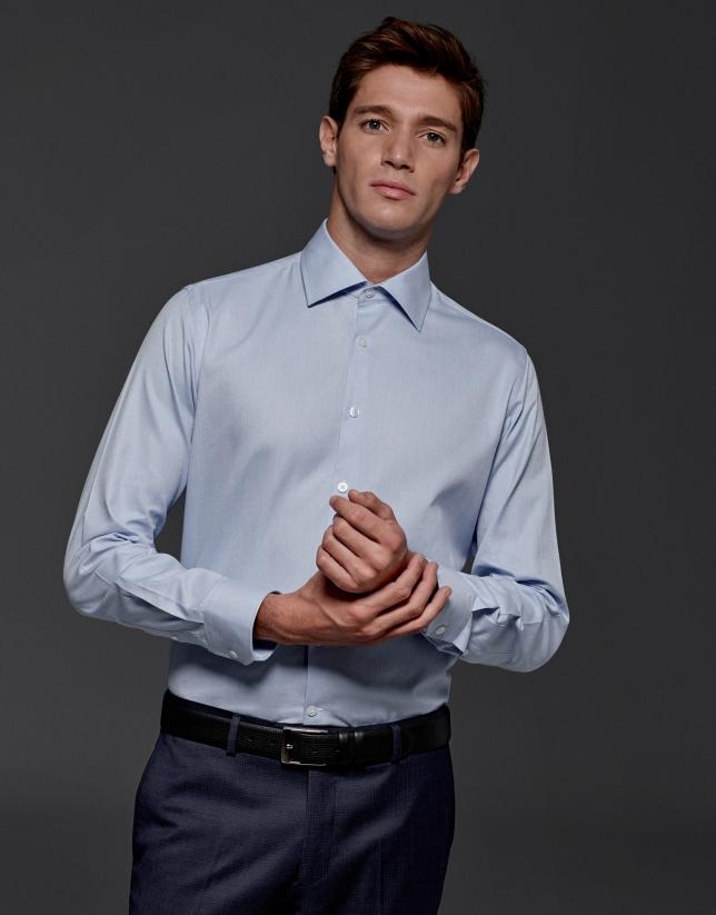 Camisa de vestir falso liso azul claro