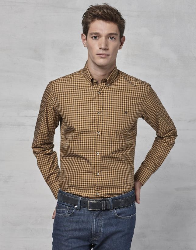 Chemise à carreaux ocre