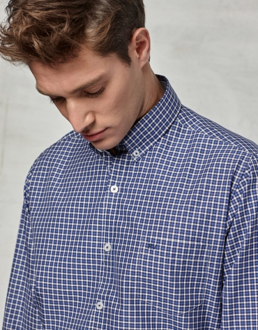Blue / white checked sport shirt