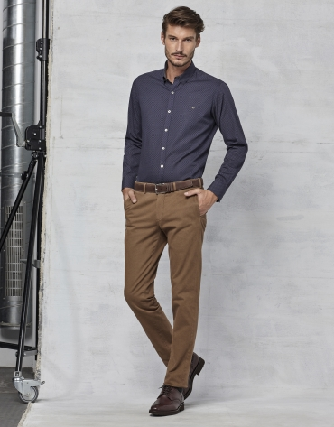 Brown chinos with micro print