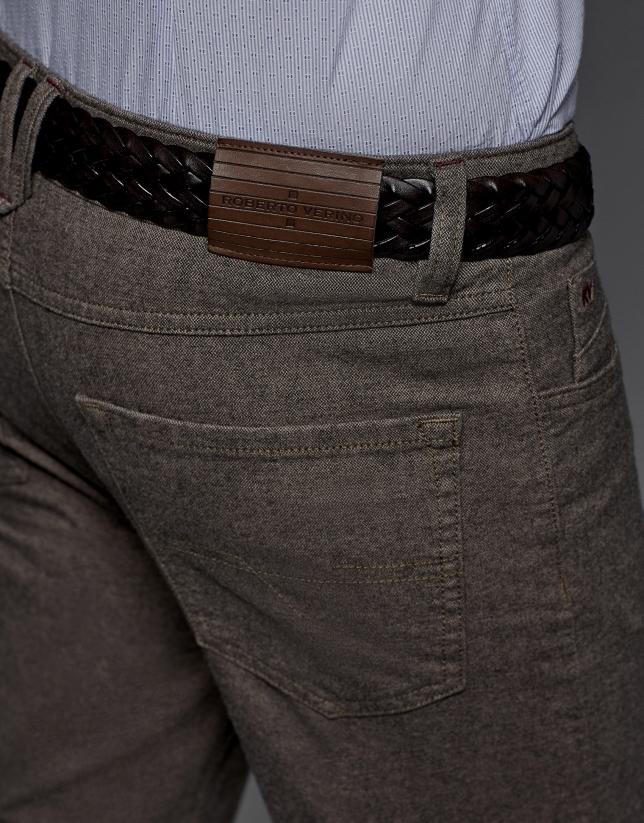 Pantalón 5 bolsillos color visón