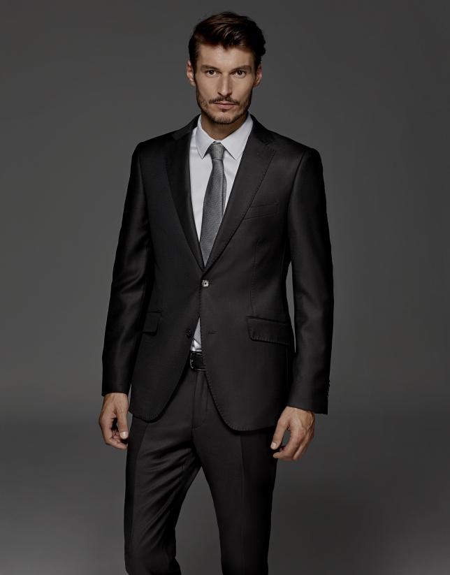 Costume coupe droite faux uni noir
