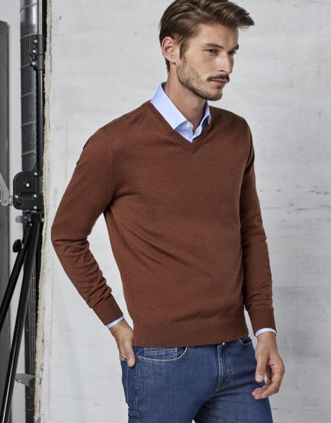 Jersey cuello pico lana marrón Hombre | Roberto Verino