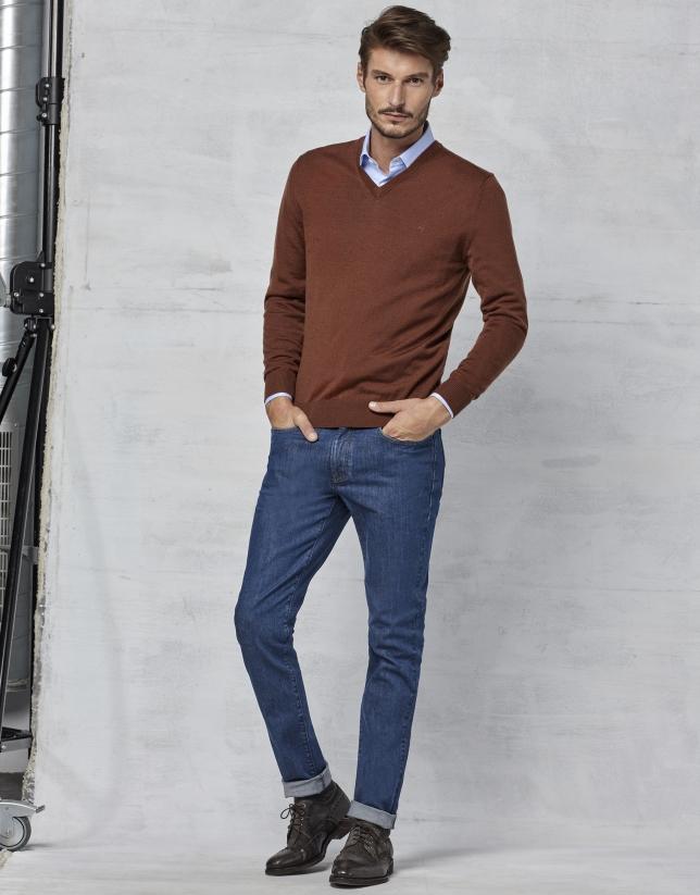 Jersey cuello pico lana marrón