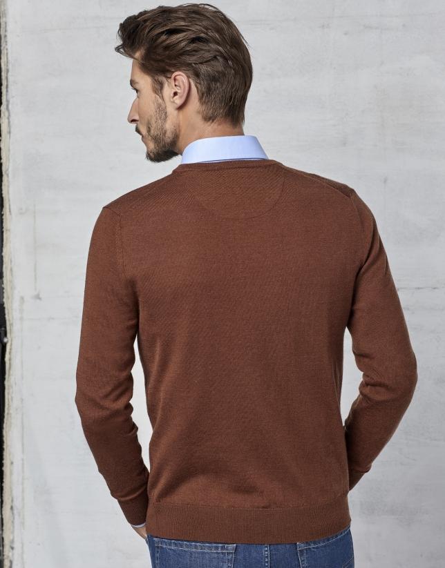 Pull à col V en laine marron
