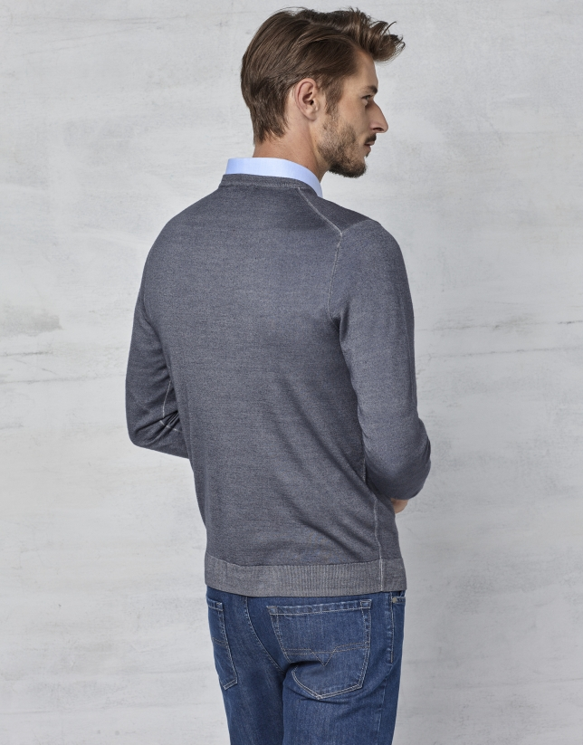 Gray dyed sweater with square collar