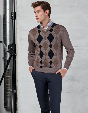 Beige sweater with diamond design