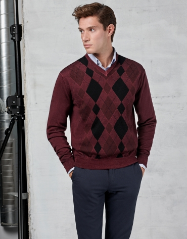 Maroon sweater with diamond design
