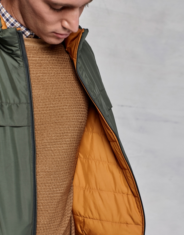 Chaleco reversible verde/ ocre