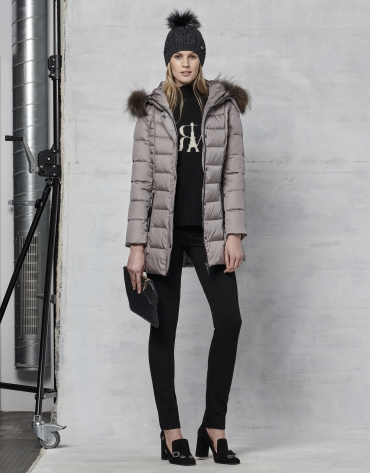 Long gray ski jacket with fur