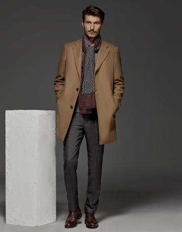 Abrigo clásico recto en lana y cashemere camel