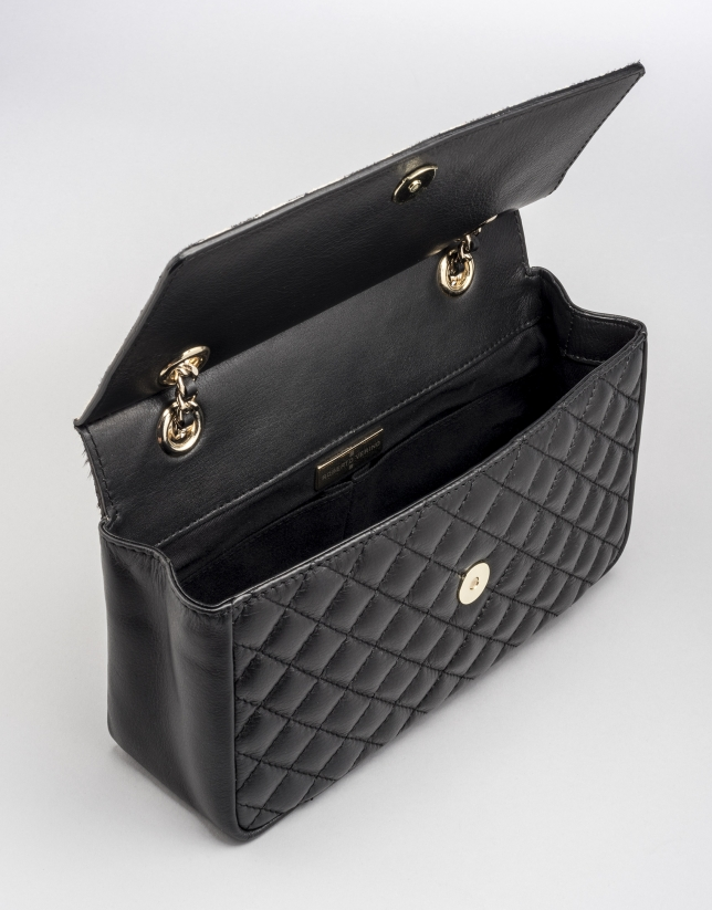 Sac shoulder Ghauri en cuir noir, rabat poil animal
