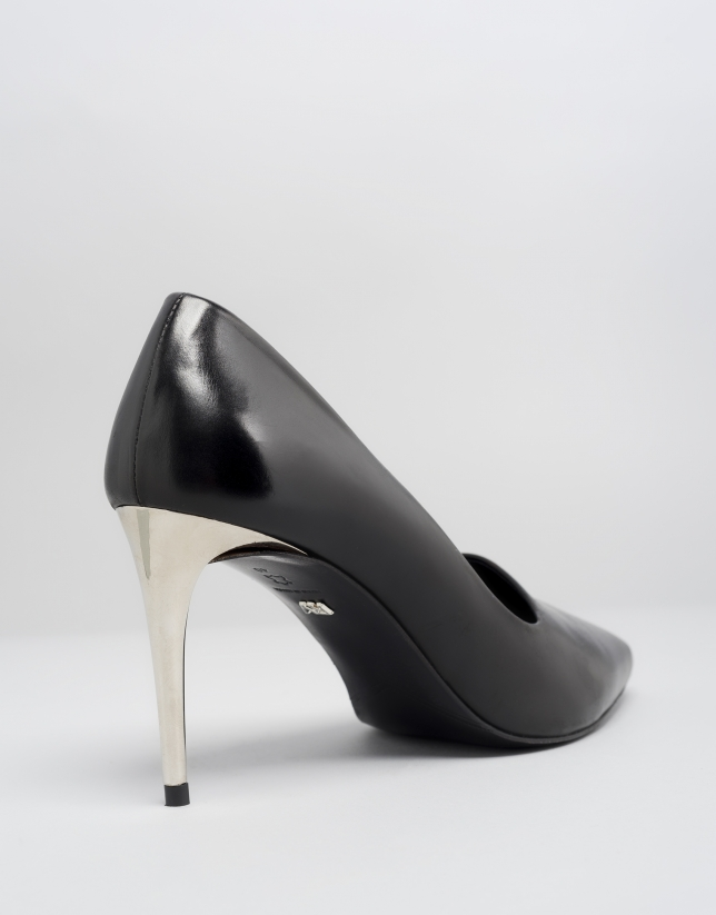 Black leather Eiffel pumps
