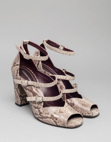 Sandalia Monet en piel estampado serpiente
