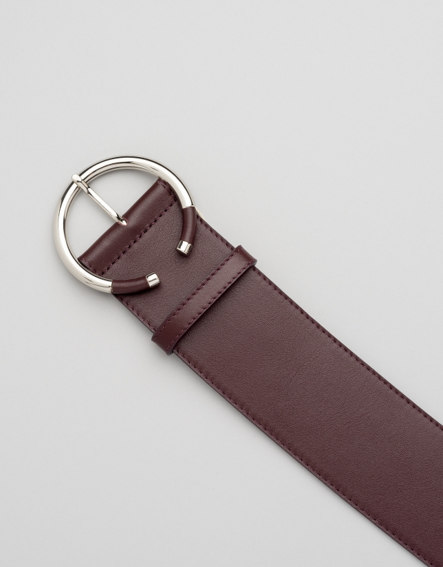 Burgundy wide leather belt with lined buckle