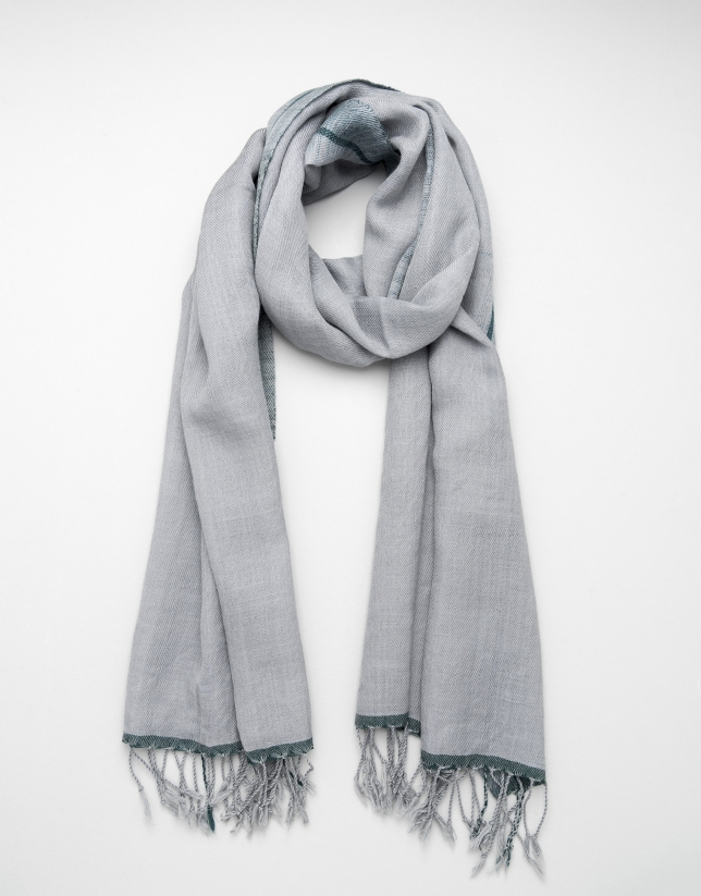 Green and gray wool scarf