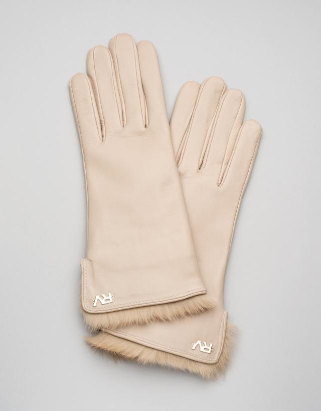 Camel, fur-lined leather gloves