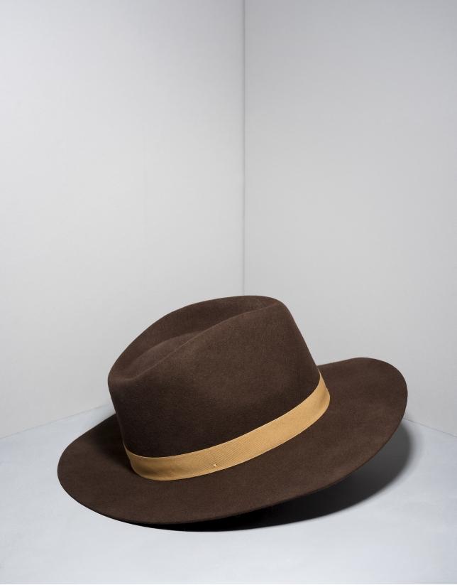 Chapeau Fédora en laine marron et ruban en beige