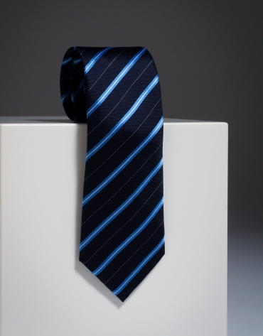 Corbata seda marino con rayas celeste