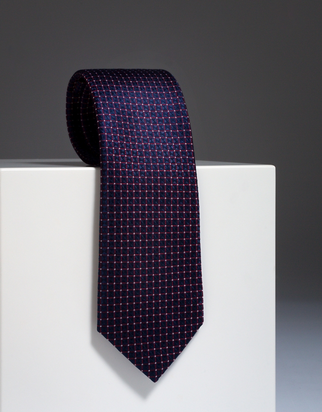 Corbata de seda roja con topos crudo