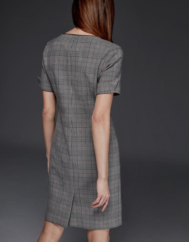 Robe à manches courtes à carreaux gris