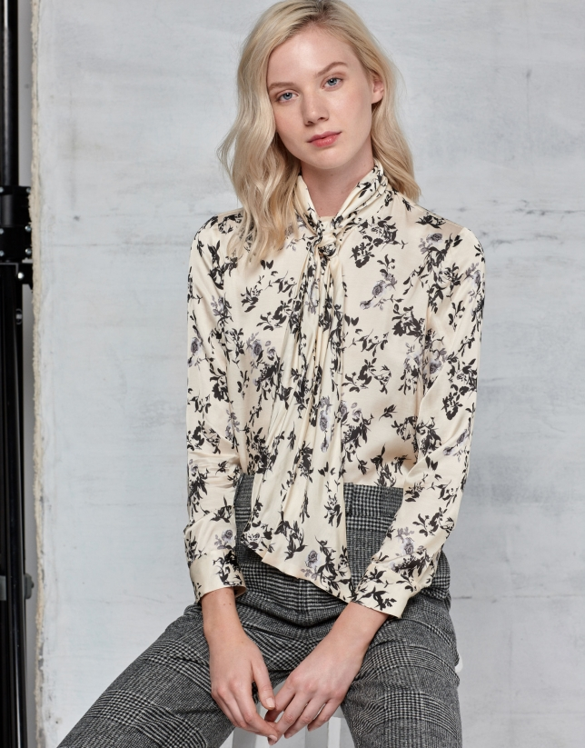 Floral print blouse with bow