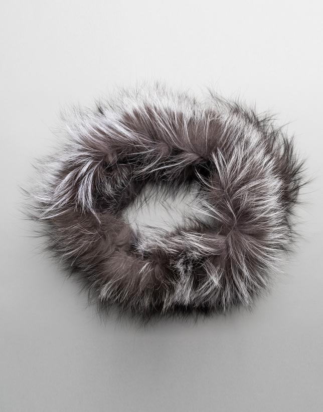 Tour de cou tubulaire en renard gris clair