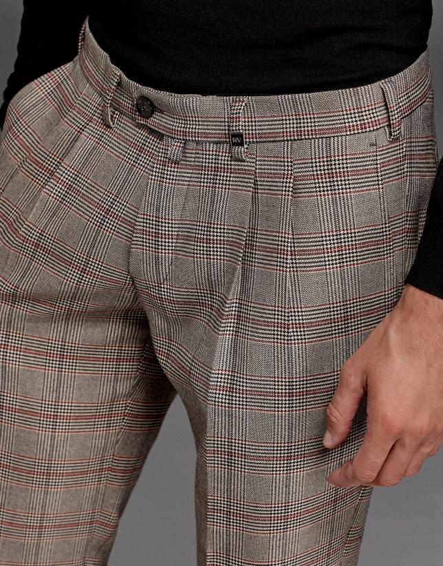 Beige/red glen plaid pants with darts