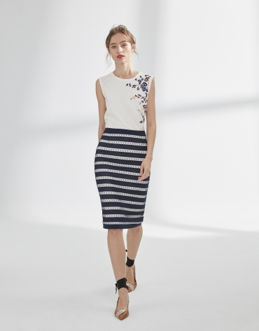 Navy blue pencil skirt with lace