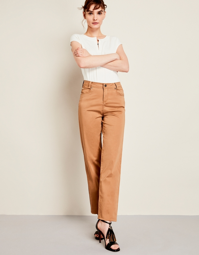Brown sport pants with five pockets