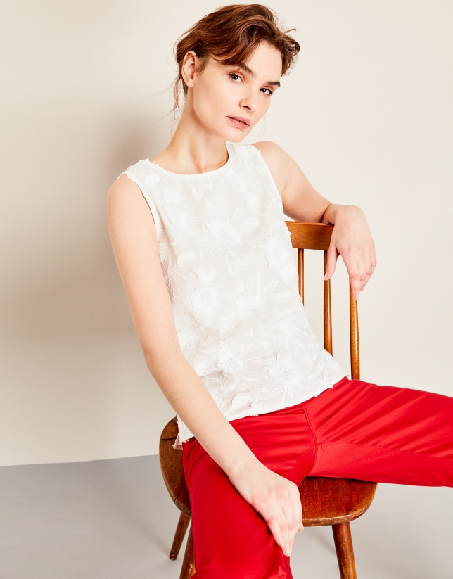 Red sport pants with five pockets