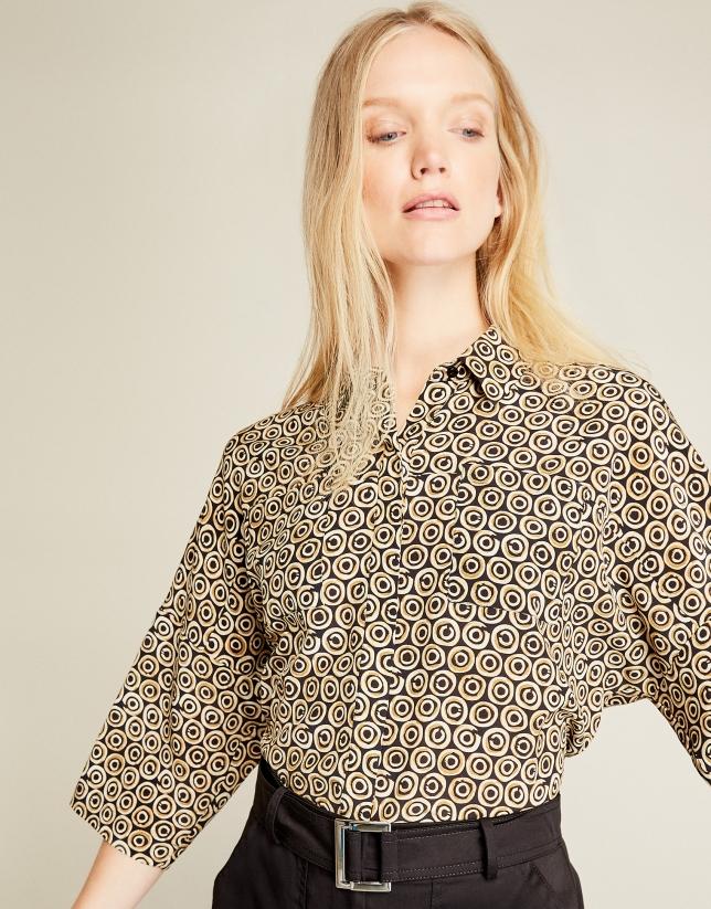 Blusa oversize estampada ocre