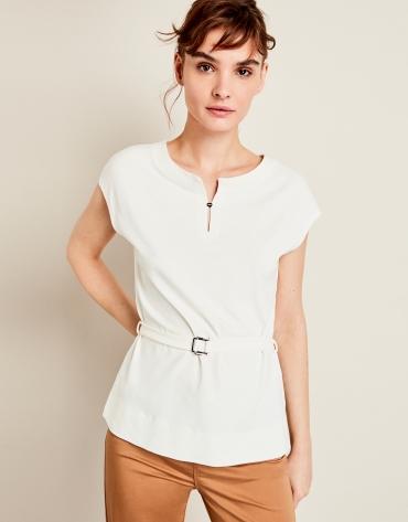 Beige t-shirt with belt