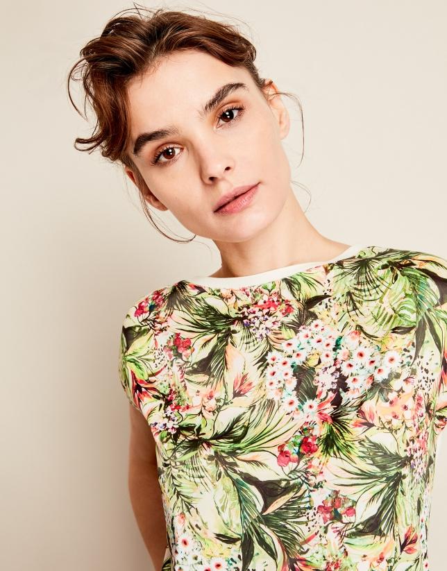 Camiseta amplia flores