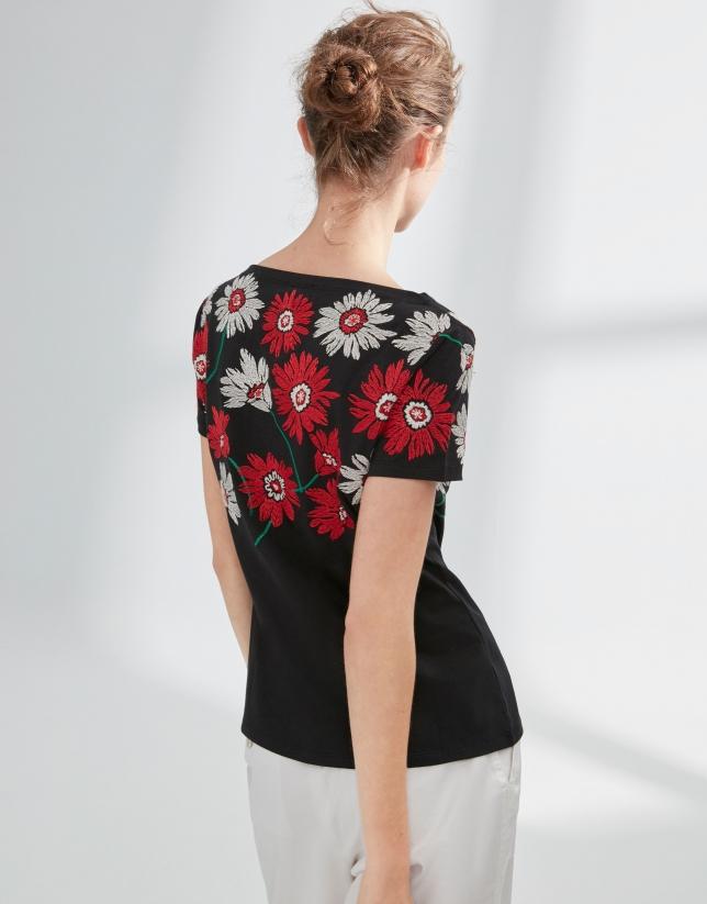 Camiseta flores negra