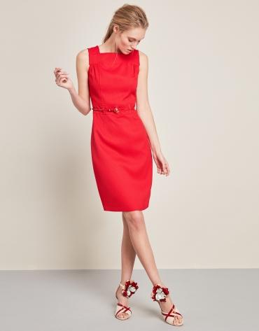 Robe rouge à bretelles